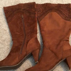 Shoes - Fake suede boots perfect condition